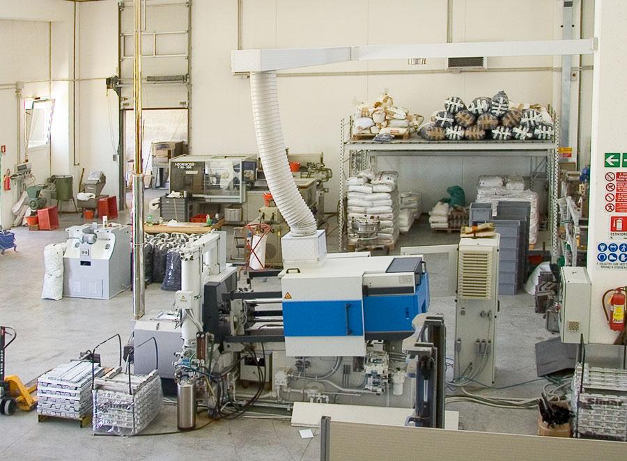 Azienda - Reparto Macchine - Santoni Stampaggio 442eb062e41